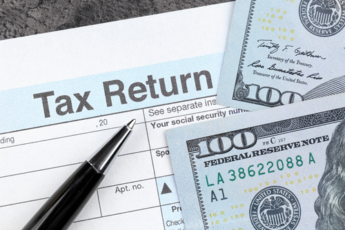 Do Banks Report Check Deposits to the IRS?